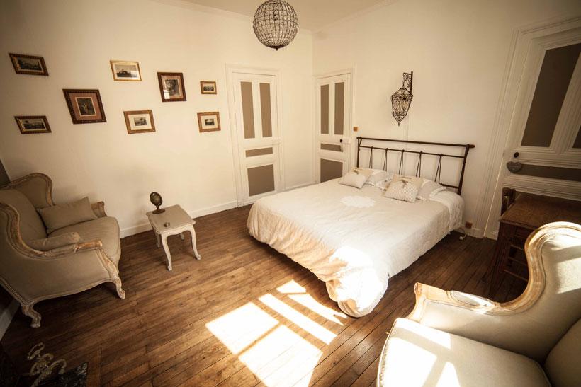chambre boudoir location vacances chambre duhtes la chambre boudoir dcorer sa chambre dans un. Black Bedroom Furniture Sets. Home Design Ideas
